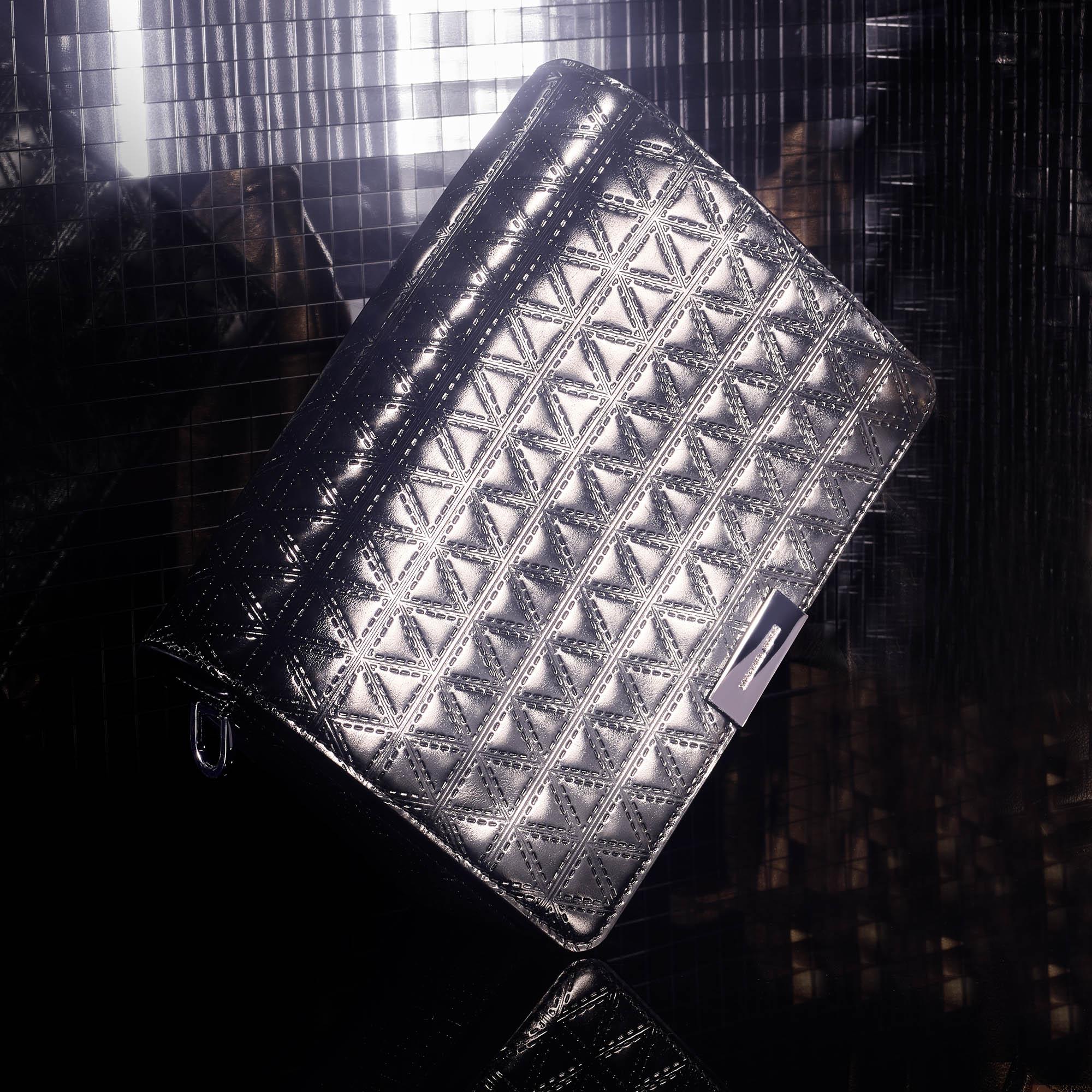 Exclusive - Jade Md Gusset金属感皮革斜挎包