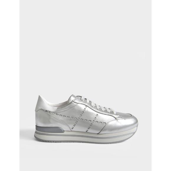 H222 女士金属风休闲鞋